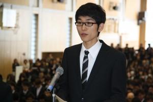 学部留学生代表で誓いの言葉を述べる     龐龍傑さん