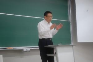 まちづくり・ひとづくり学科講師 中尾友昭市長