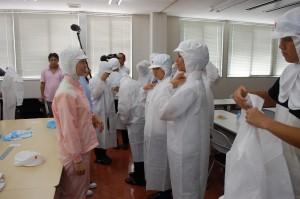 講座4 ㈱中冷 食品工場には白衣にて