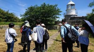 六連島灯台で調査