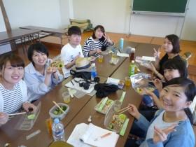 美味しく昼ご飯などを頂き幸せな笑顔