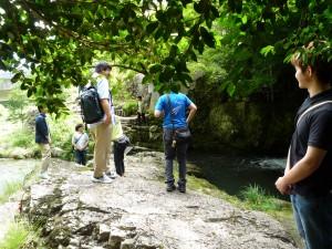 五段の滝で安全サポート