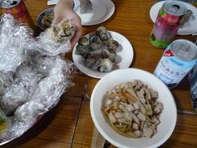 サザエなど島ならではの美味しい料理