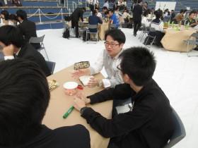 桐原ゼミの学生も議論に参加しました