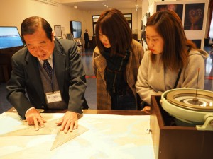 関門海峡らいぶ館にて海図の使い方を学ぶ